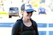 Reese Witherspoon Leaves Her Yoga Class in Brentwood