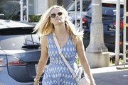 Reese Witherspoon Out Shopping in West Hollywood