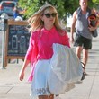 Reese Witherspoon Is Pretty in Hot Pink