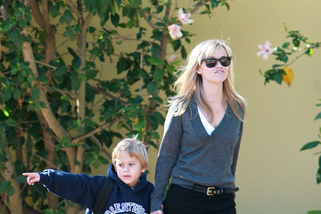Reese Witherspoon Reese Witherspoon Spending Time With Deacon Without Jake