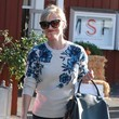 Reese Witherspoon Makes a Stylish Grocery Run