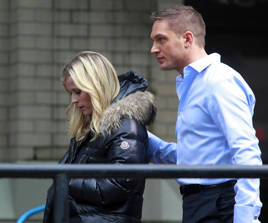 Tom Hardy Photos Photos Reese Witherspoon And Tom Hardy On The Set