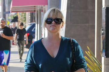 Reese Witherspoon Reese Witherspoon Has A Lunch Meeting