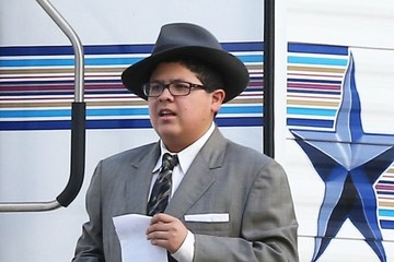 Rico Rodriguez 'Modern Family' Stars Show Off Their Halloween Costumes On Set