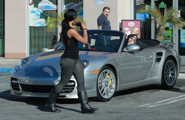 Chris Brown Cars: Nosee Rosee: SPOTTED: Chris Brown Driving Rihanna's Porshe