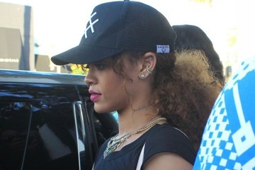 Rihanna Rihanna Goes out Shopping in Beverly Hills