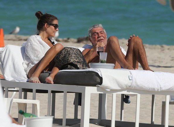 Roberto+Cavalli+Lina+Nilson+Enjoying+Day+Beach+Sy3QN4wbwJPl - The Richer You Are, The Longer You'll Live - Lifestyle, Culture and Arts