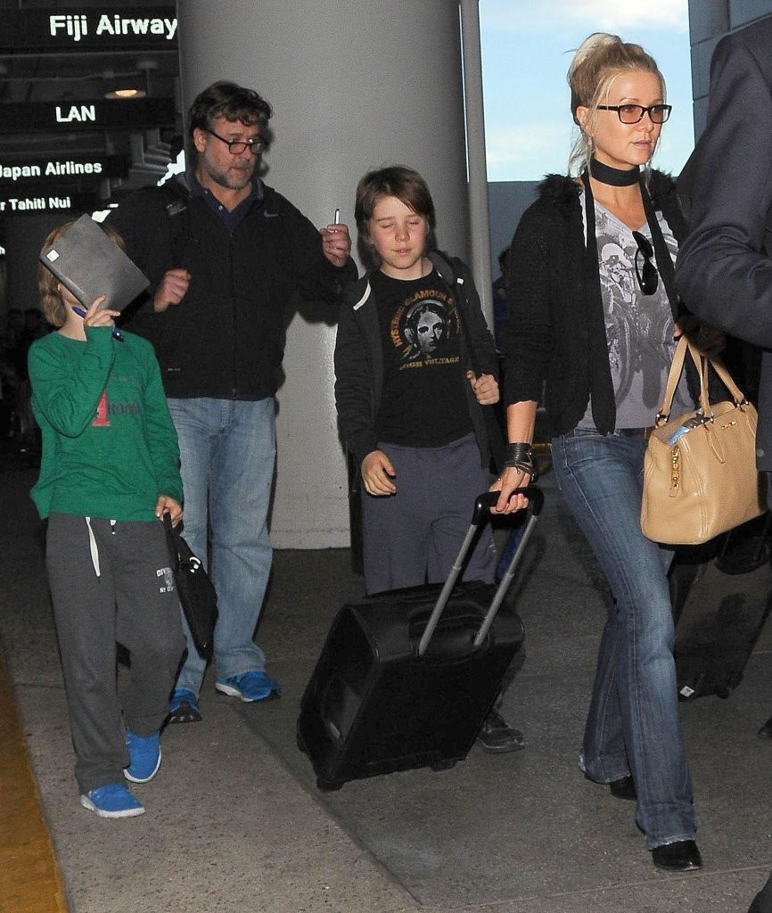 Russell Crowe Photos P...