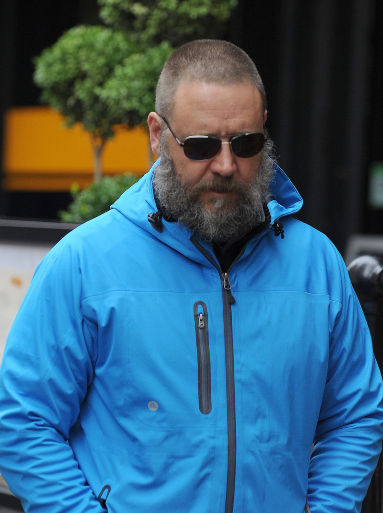 Russell Crowe Photos Photos Russell Crowe Out And About