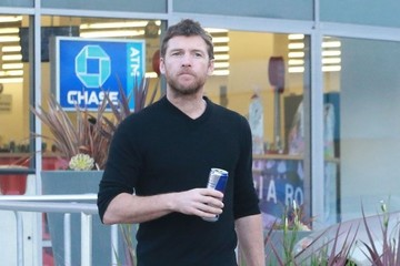 Sam Worthington Sam Worthington Stops by CVS Pharmacy