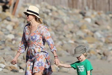 Samuel Schreiber Naomi Watts & Liev Schreiber Enjoy A Day At The Beach With Their Boys