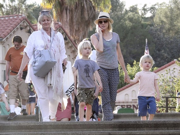 Naomi Watts Takes Her Boys to the Zoo