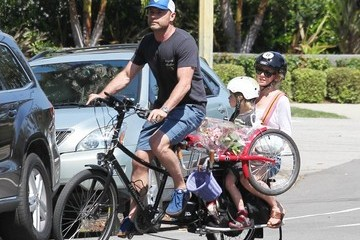 Samuel Schreiber Naomi Watts and Family Spend the Morning at the Farmers Market