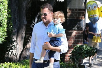 Scott Stuber Brooks Stuber Molly Sims & Family At A Birthday Party In Beverly Hills