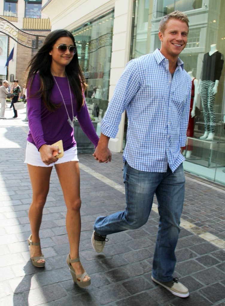 Sean Lowe And Catherine Giudici Take A Walk 2 Zimbio