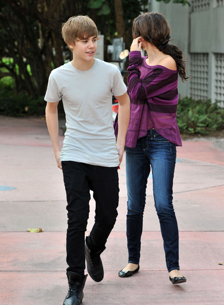 justin bieber pictures with selena. Justin Bieber and Selena Gomez