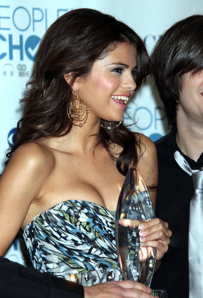 Selena Gomez Celebrities in the press room at the 2011 People's Choice Awards at the Nokia Theatre in Los Angeles, CA.