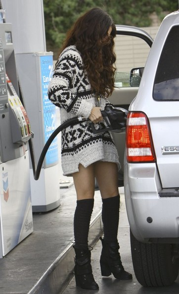 Selena Gomez - Selena Gomez at the Pump