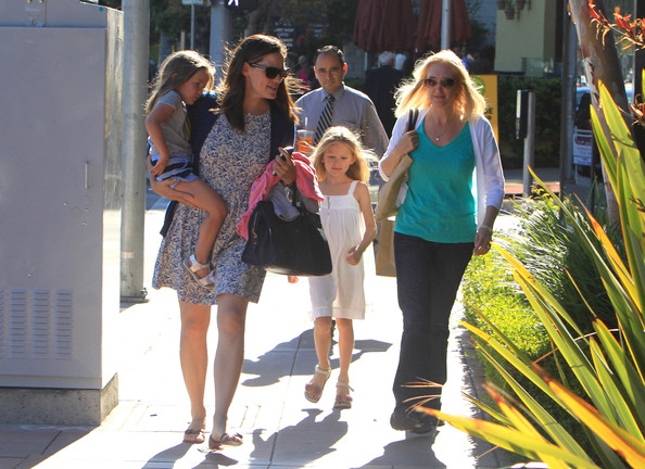 Seraphina Affleck Jennifer Garner carries daughter Seraphina as they head to lunch with friends in Brentwood, California on July 8th, 2012.