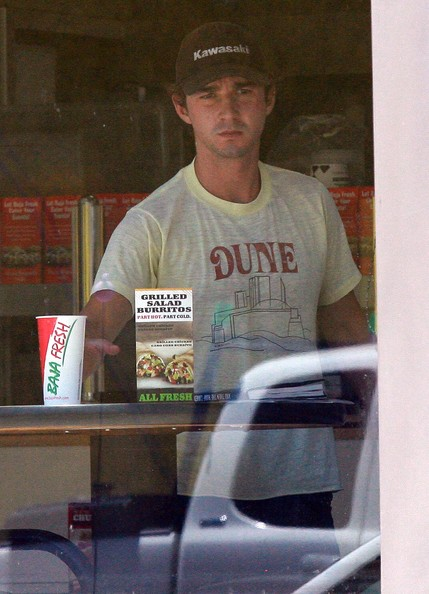 Shia labeouf in the street Shia+LaBeouf+Out+Los+Angeles+8oL7mO7vYQUl