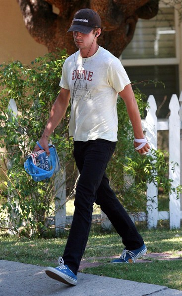 Shia labeouf in the street Shia+LaBeouf+Out+Los+Angeles+cOtX4r5MEW4l
