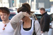 Shy Kate Beckinsale Stops By A Doctors Office