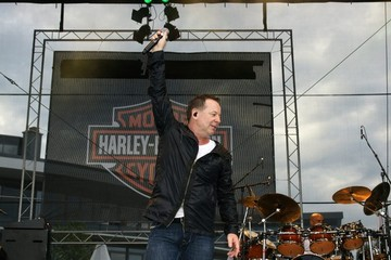 Simple Minds Simple Minds Performing At Harley Days