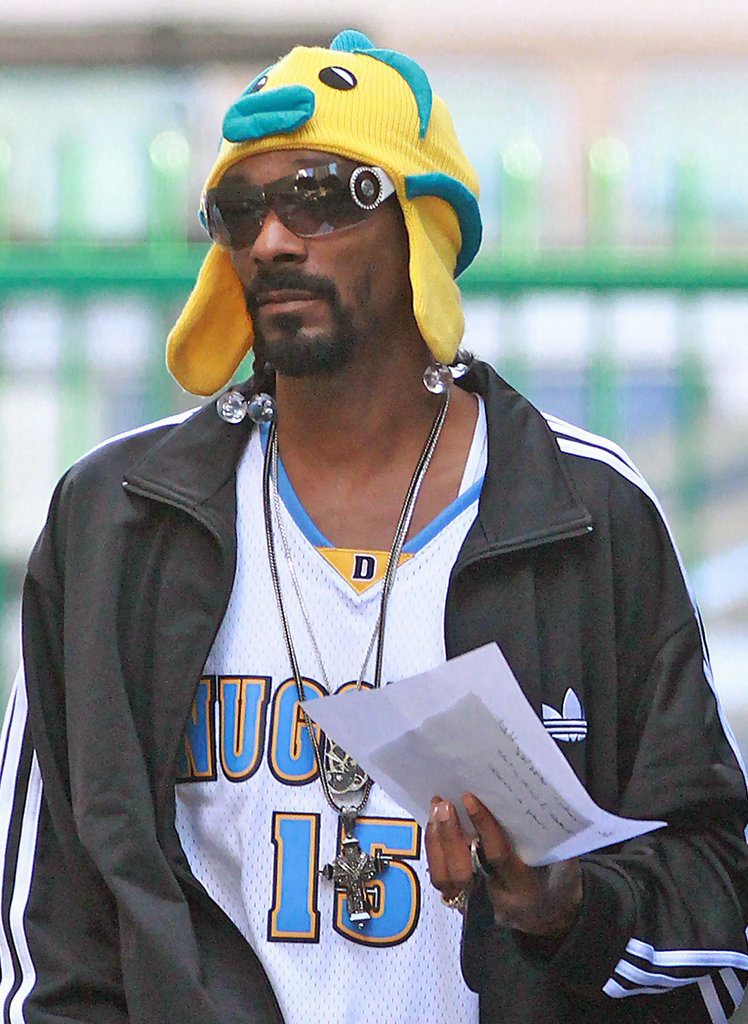 Snoop dogg on the set of his latest music video 4 of 6 for Snoop dogg fish hat