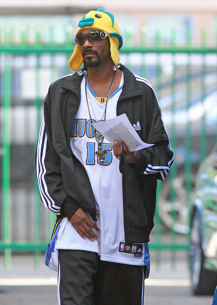 Snoop dogg on the set of his latest music video 5 of 6 for Snoop dogg fish hat