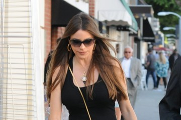 Sofia Vergara Sofia Vergara Spotted Going Out For Lunch In Los Angeles