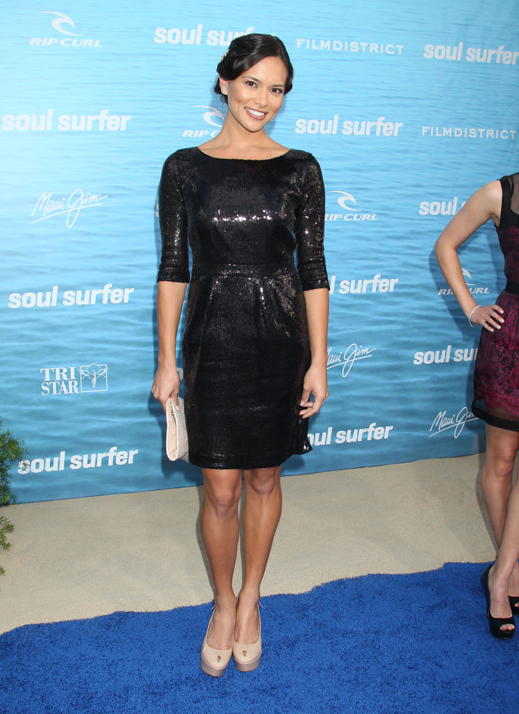 Sonya Balmores Chung In Quot Soul Surfer Quot Los Angeles Premiere