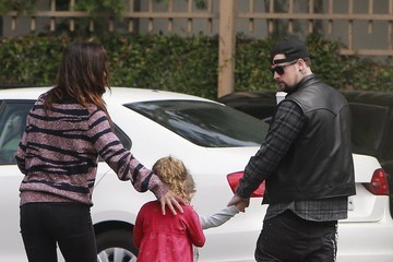 Sparrow Madden Benji Madden Grabs Coffee with His Family