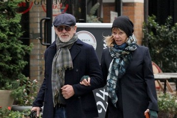Steven Spielberg Steven Spielberg & Kate Capshaw Out Walking Their Dog