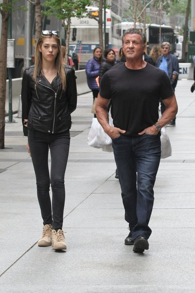 sylvester stallone new york shopping Sylvester Stallone Takes His Wife Jennifer Flavin And Daughter ...