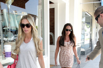 Tamara Ecclestone Petra Ecclestone Ecclestone Sisters Shop With Their Mother