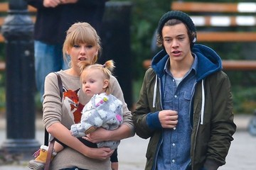 Taylor Swift Harry Styles Harry Styles And Taylor Swift Spend A Romantic Day In The Park