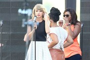 Taylor Swift Rehearses For 'Jimmy Kimmel Live!'
