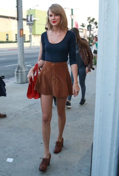 Taylor Swift Takes a Stroll