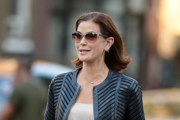Teri Hatcher Teri Hatcher Goes For a Walk With Her Daughter