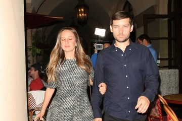 Tobey Maguire Jennifer Meyer Celebrities Dine Out at Bouchon Bistro