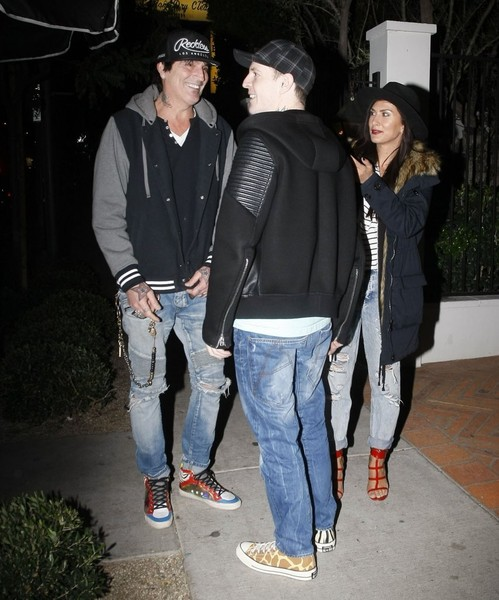0f729225 Tommy Lee Photos Photos - Celebrities Go out for Dinner at Gracias ...