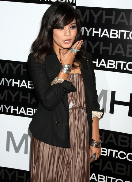 http://www2.pictures.zimbio.com/fp/Vanessa+Hudgens+MYHABIT+Launch+Party+tNJcyEeW4jgl.jpg