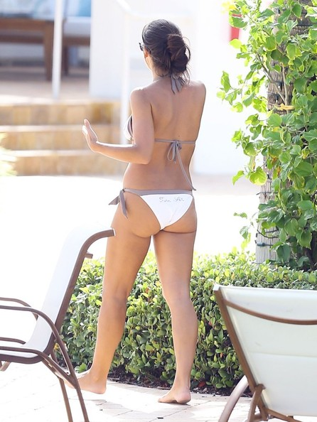 Vicky Cornell Shows Off Her Hot Bod In Miami Zimbio