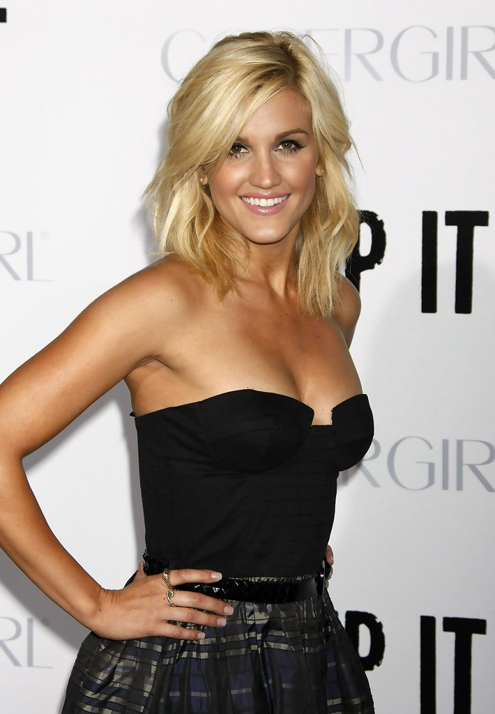 Ashley Roberts Nude Photos 71