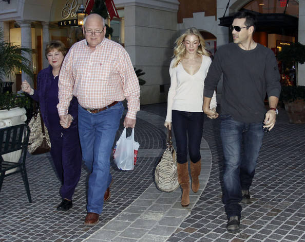 wilbur rimes pictures leann rimes and eddie cibrian leaving polacheck 39 s jewelers zimbio. Black Bedroom Furniture Sets. Home Design Ideas