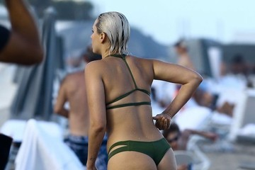 YesJulz YesJulz Has A Wardrobe Malfunction In Miami