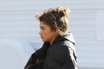 Zendaya Coleman Zendaya Coleman Braves The Cold On The Set Of 'The Greatest Showman'