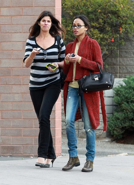 Photo of Zoe Saldana & her friend   -