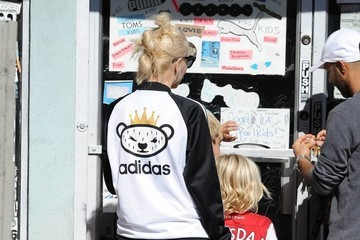 Zuma Rossdale Gwen Stefani Out With Her Boys In West Hollywood