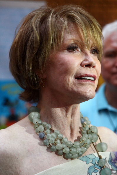 Mary tyler moore actress mary tyler moore attends the 11th annual